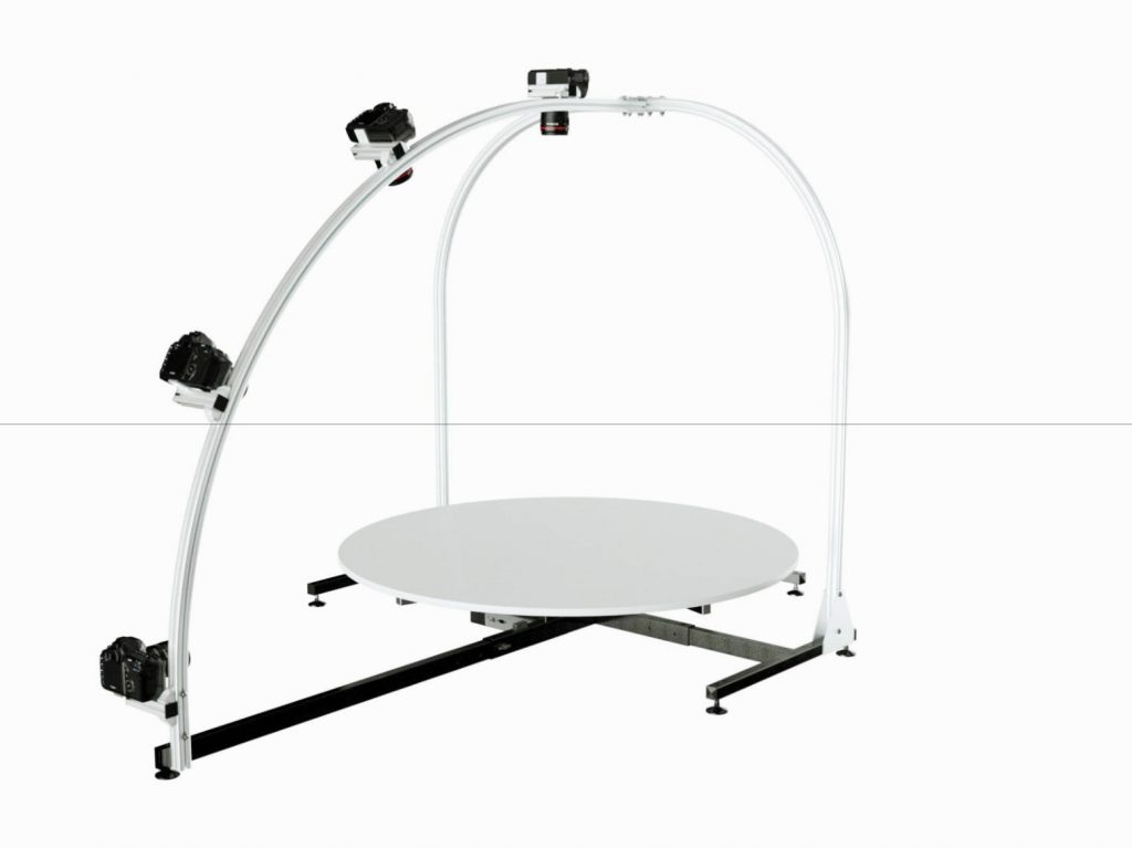 Turntable with 3D rig for hemispherical product photography