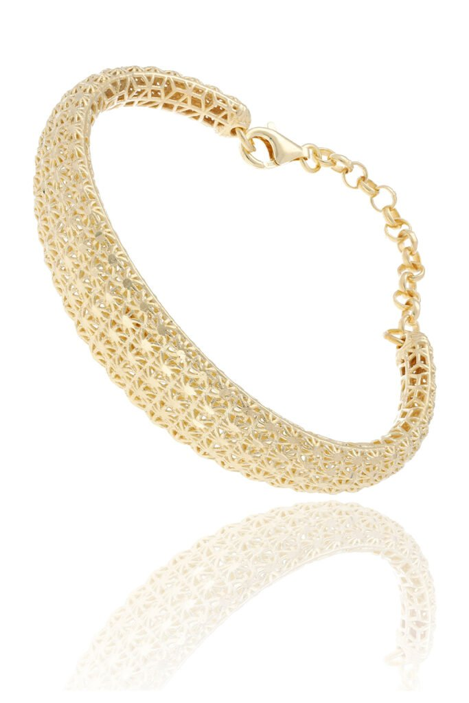 Jewelry product photography - No contrast manipulation